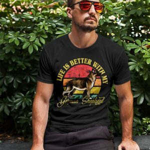 Vintage Life Is Better With German Shepherd Men's T-Shirt